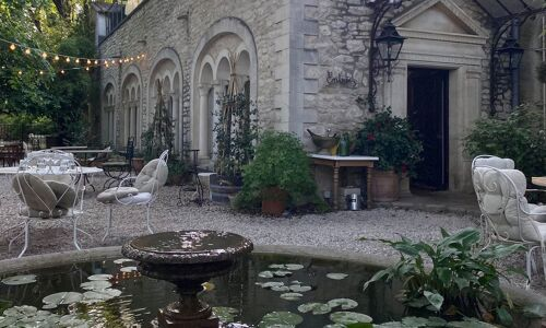 Restaurant-La Courtille-Tavel