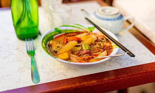 11_27_47_876_restaurant_NguyenHoan_marseille_Hoang_Dinh_Khoi.jpg