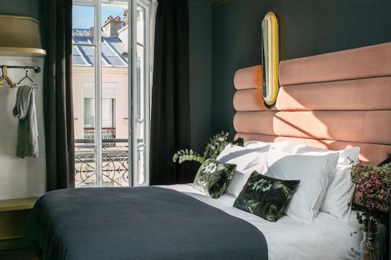 14_43_54_892_hotel_la_planque_paris_1_.jpeg