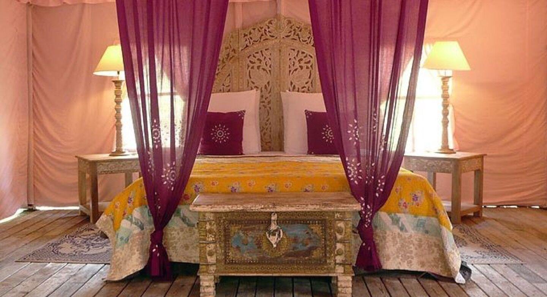 19_37_16_562_lodge_rose_bedroom.jpg