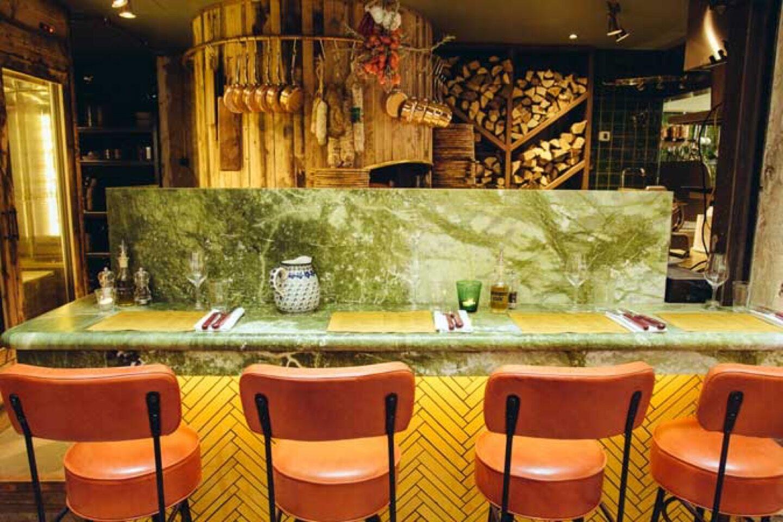 20_28_56_878_restaurant_east_mamma_paris3.jpg