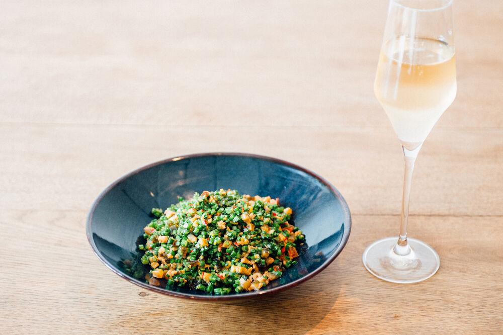 富錦樹台菜香檳(松山)結合了臺菜與香檳,且每季均會根據時令推出新菜色,令人耳目一新。(圖片:富錦樹台菜香檳(松山)提供)
