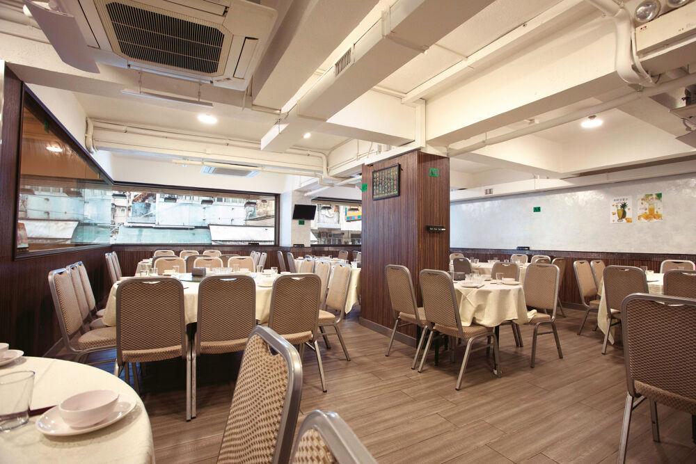 增煇艺厨怡人的内部用餐空间。